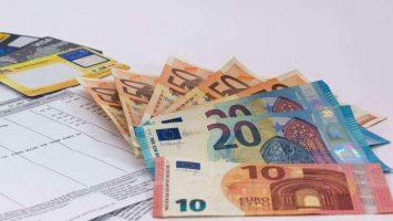 ebay akcijų opcionai darbuotojams piniginė premija arba akcijų pasirinkimo sandoriai